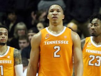 Tennessee's Grant Williams and teammates