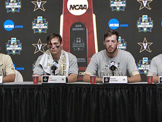 Tim Corbin and Vanderbilt players