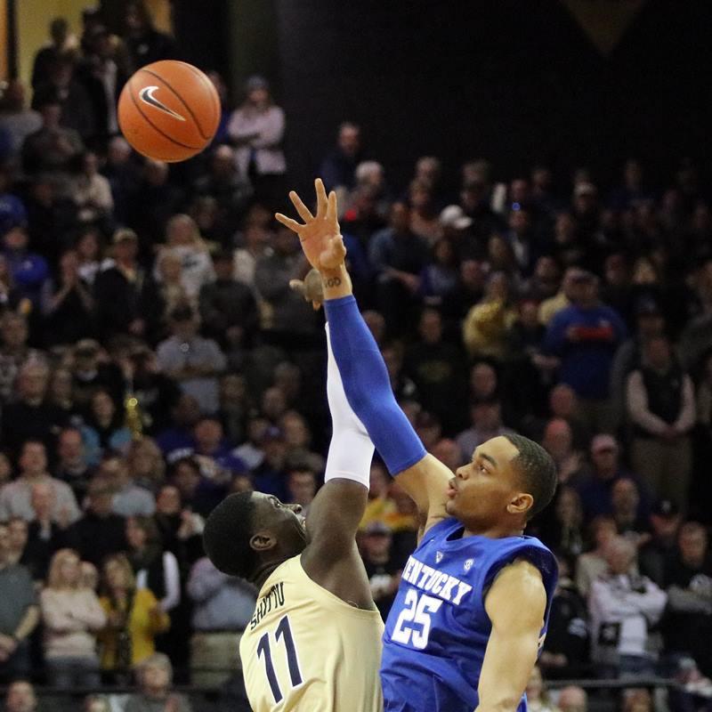 Vanderbilt's Simi Shittu and Kentucky's PJ Washington jump ball