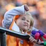 Tennessee Vol little fan thumbs down