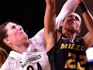 Mariella Fasoula of Vanderbilt (L) and Jordan Roundtree of Missouri (R)